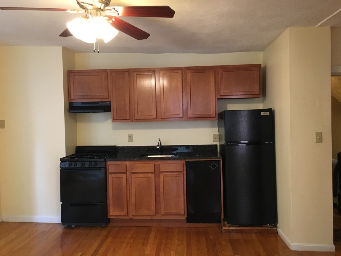 2 Bd, Laundry in Building, To be renovated into 2 bed, Photos