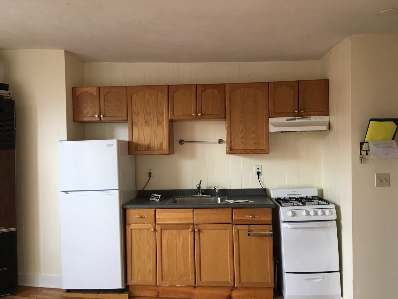 2 Bd, NO FEE, Hardwood Floors, Laundry in Building