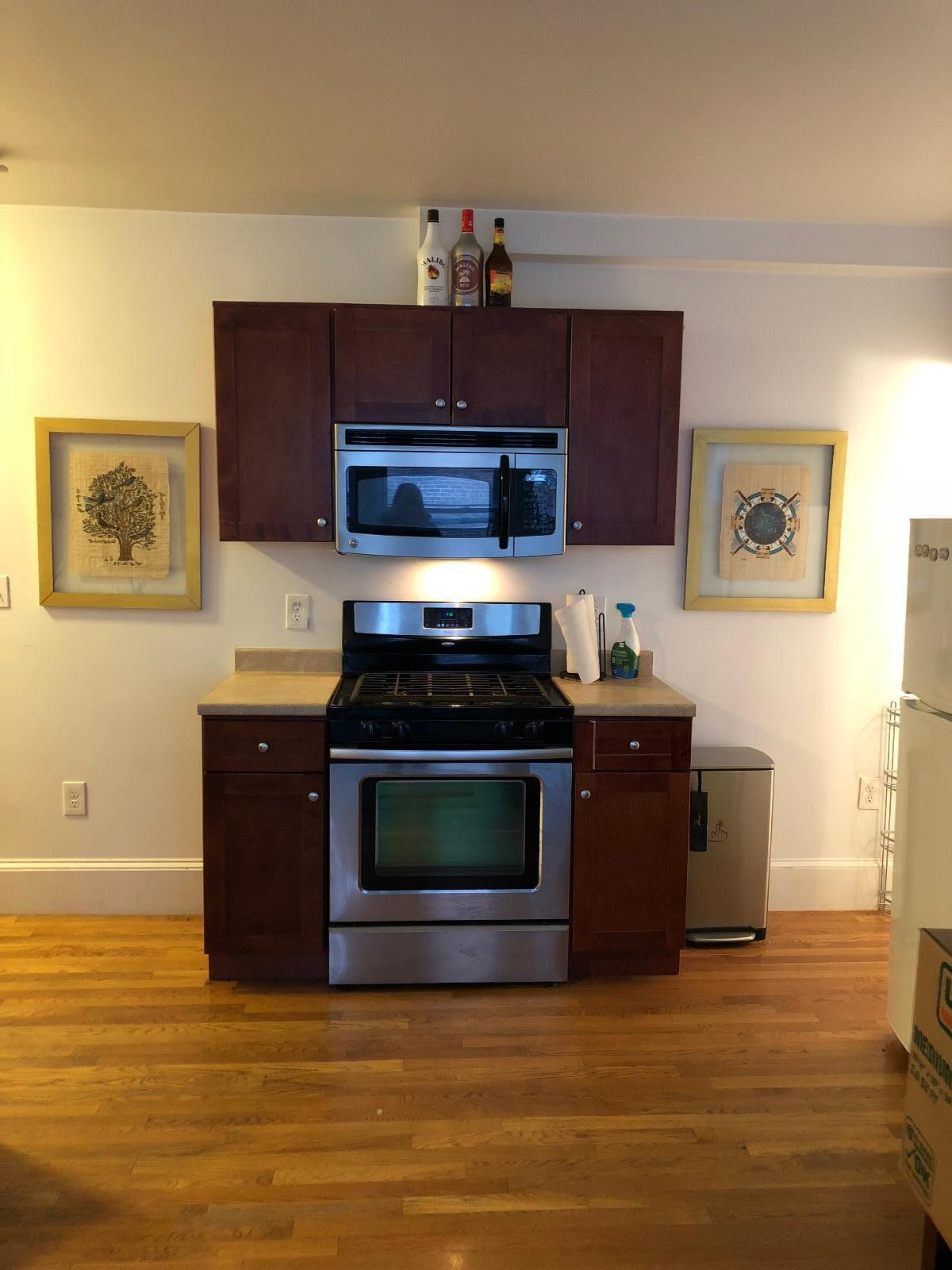 1.5 Bd on Commonwealth Ave., Pet Ok, NO FEE, New/Renovated Kitchen