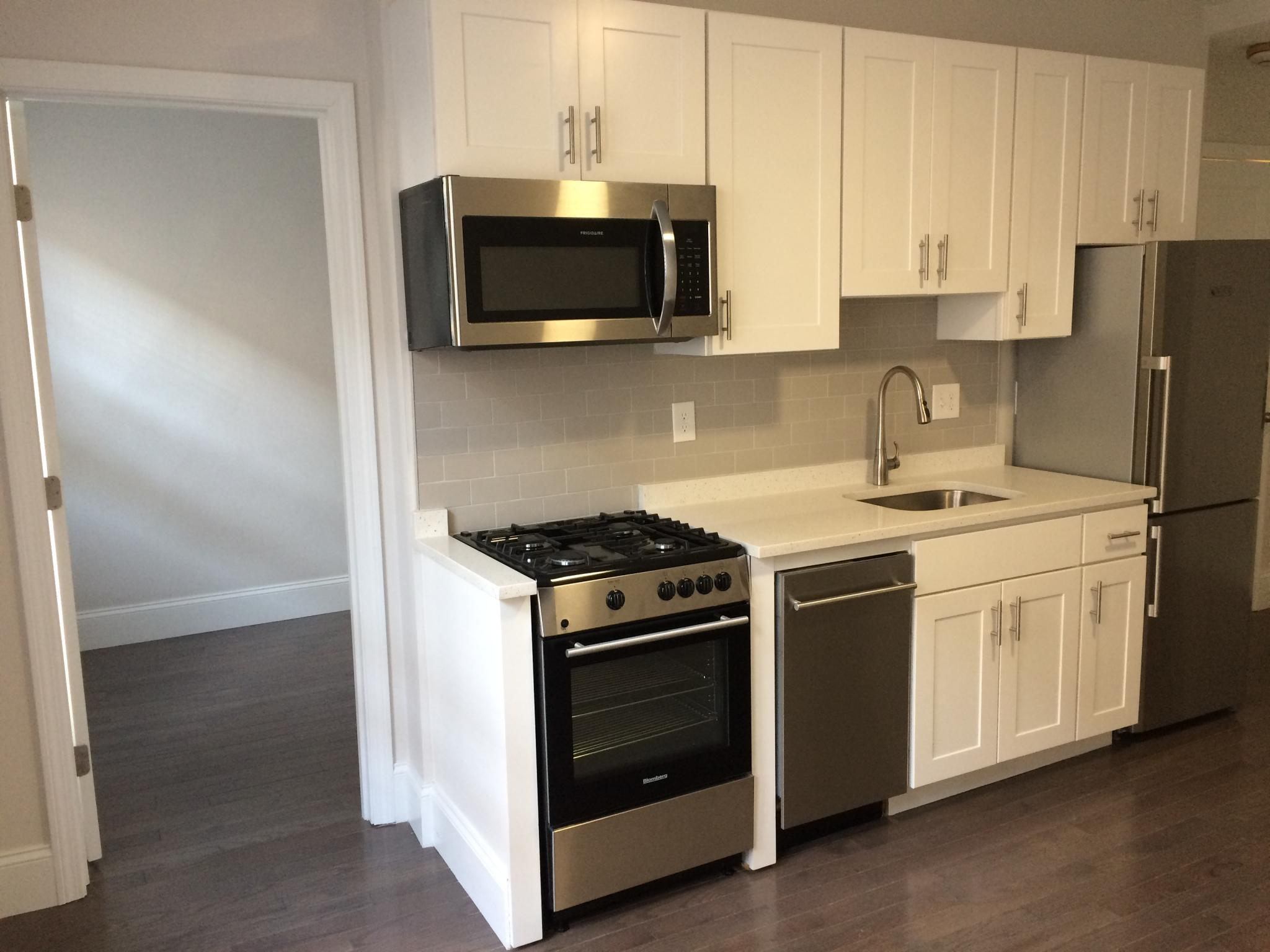1 Bd on Clearway St., Hardwood Floors, Hardwood Floors, Microwave