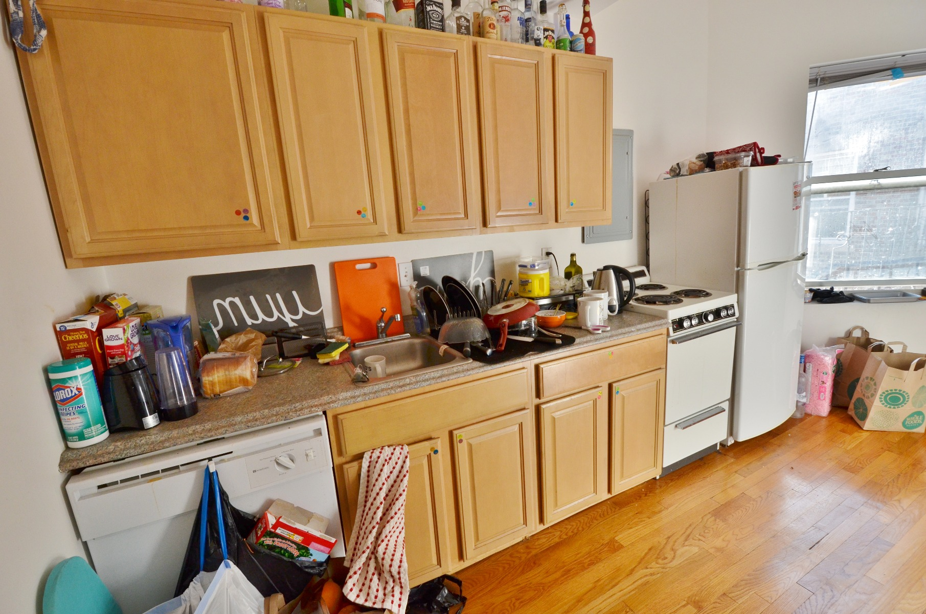 AVAIL 9/1~ LQQK HERE!! STUNNING 1 BED!! NEWLY RENOVATED!!