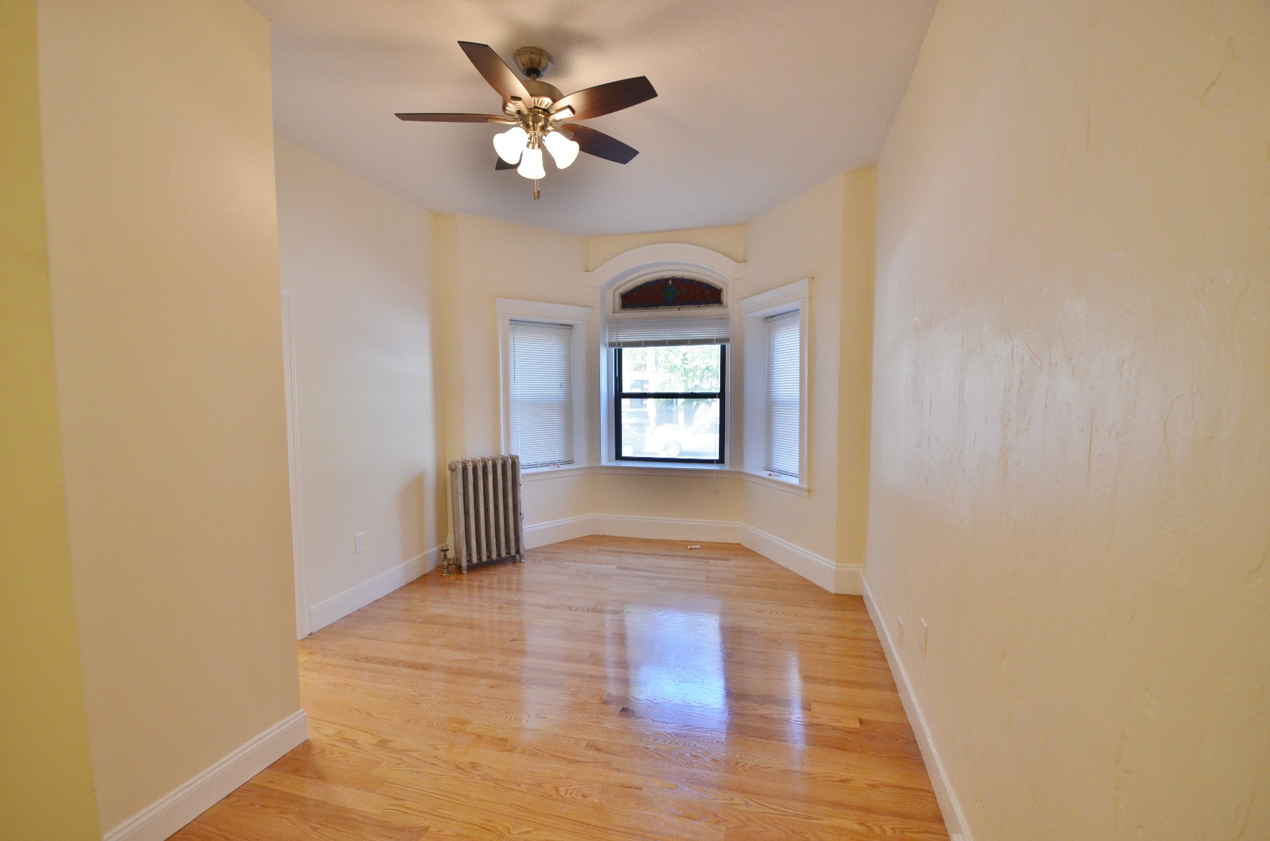 JUST Renovated, Stunningly Luxurious Studio Apartment!!