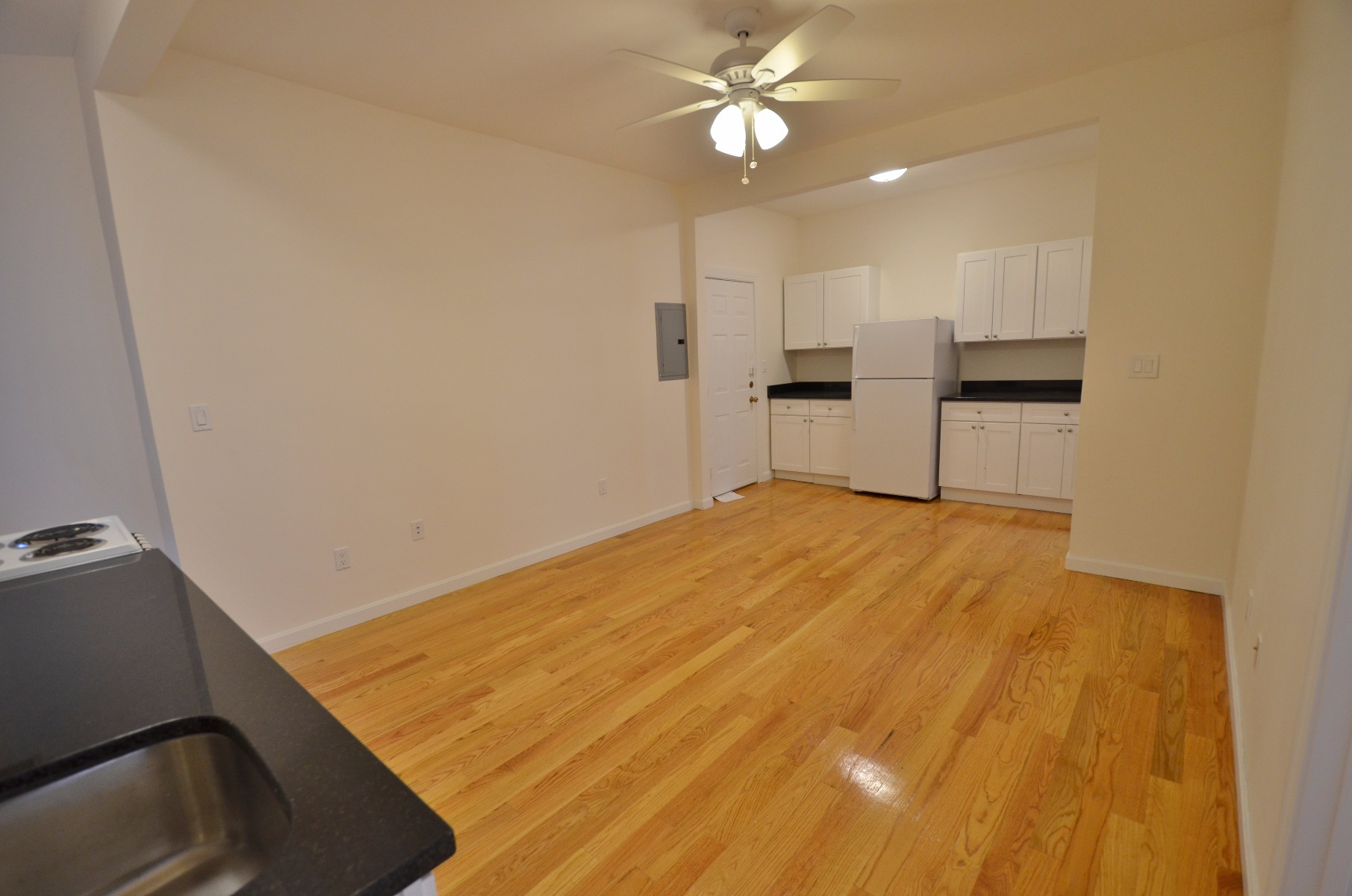 DON'T LET THIS ONE GO! 2bd, 1bath, Westland Ave, 9/1