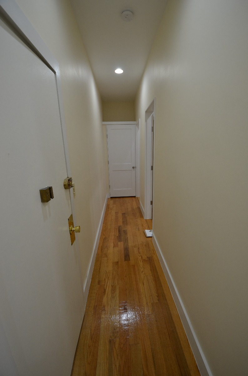 4 Bd on Peterborough St., 2 Bath, Modern Kitchen, Laundry in Building