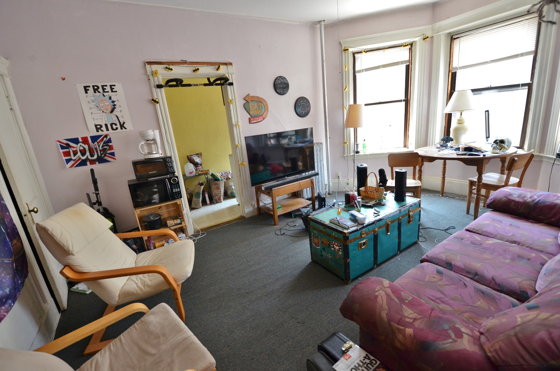 AVAIL 9/1 - HUGE BRIGHT AMAZING 2 BR ON HEMENWAY ST *MUST SEE*