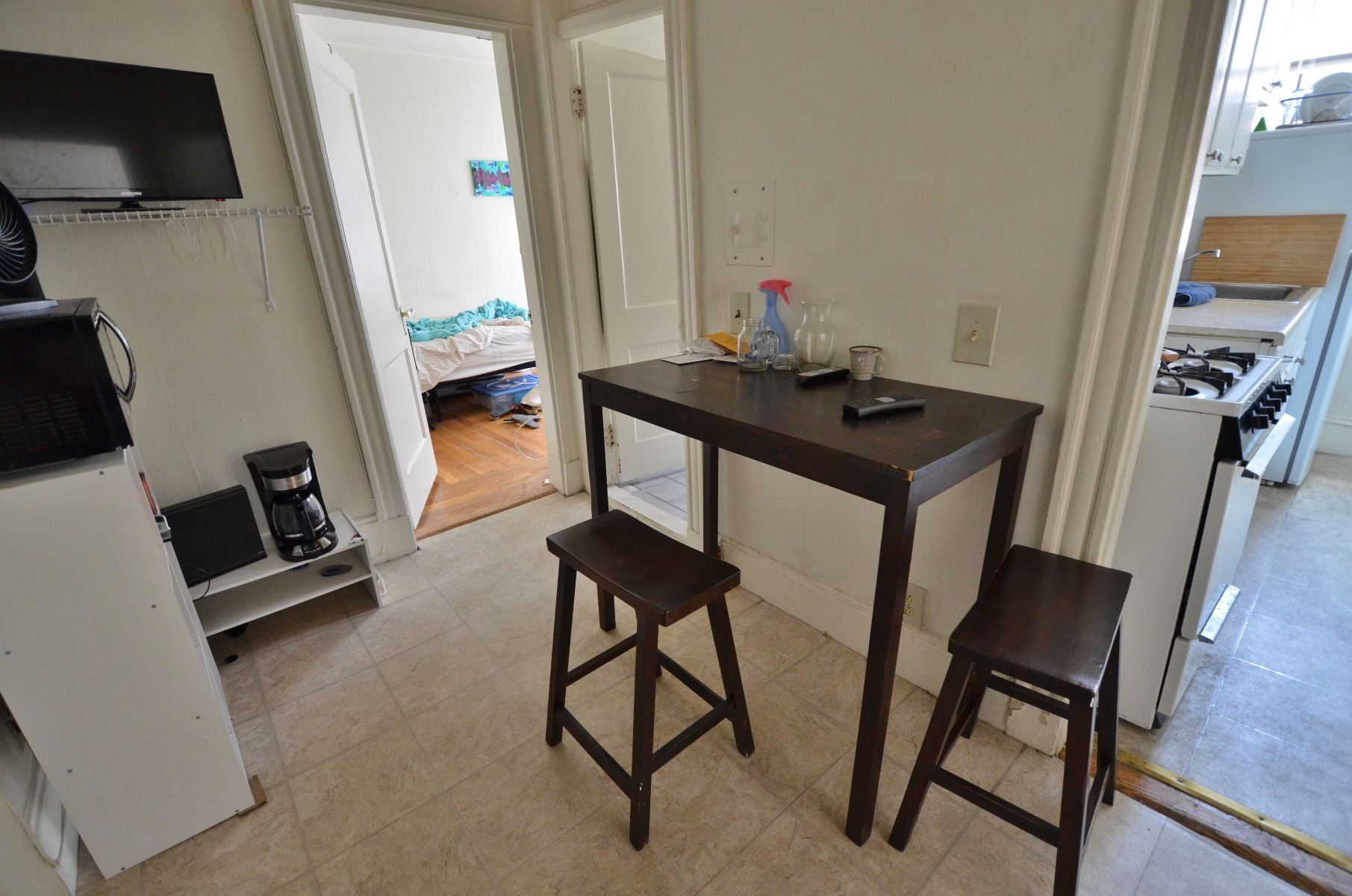 1 Bd Split on Hemenway St., Separate Kitchen, Laundry in Building