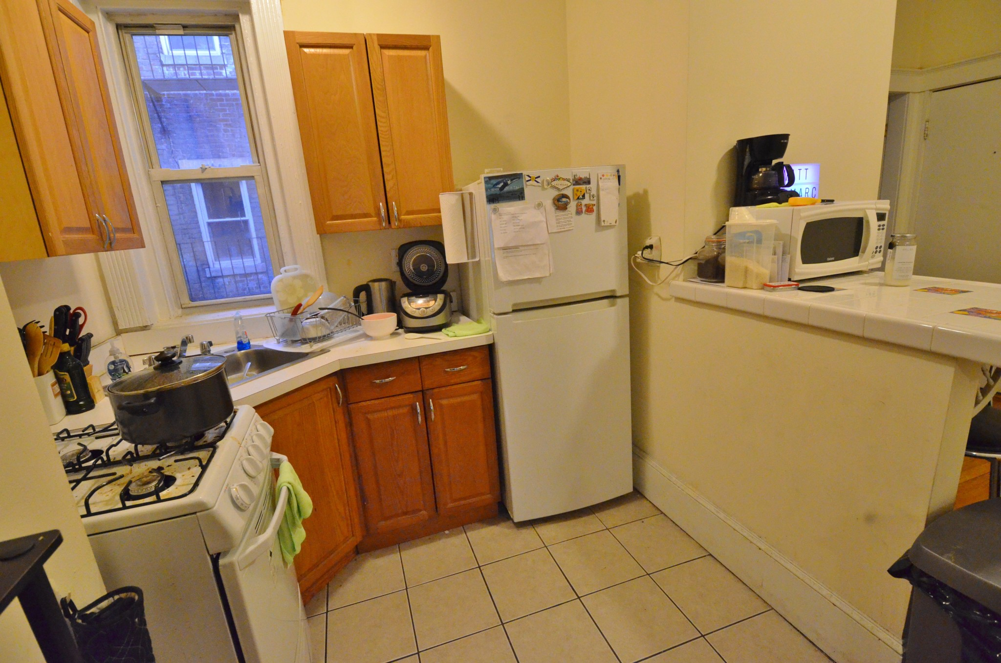 Avail 9/1 - Awesome, Spacious, exposed brick 1 BR Split on Hemenway
