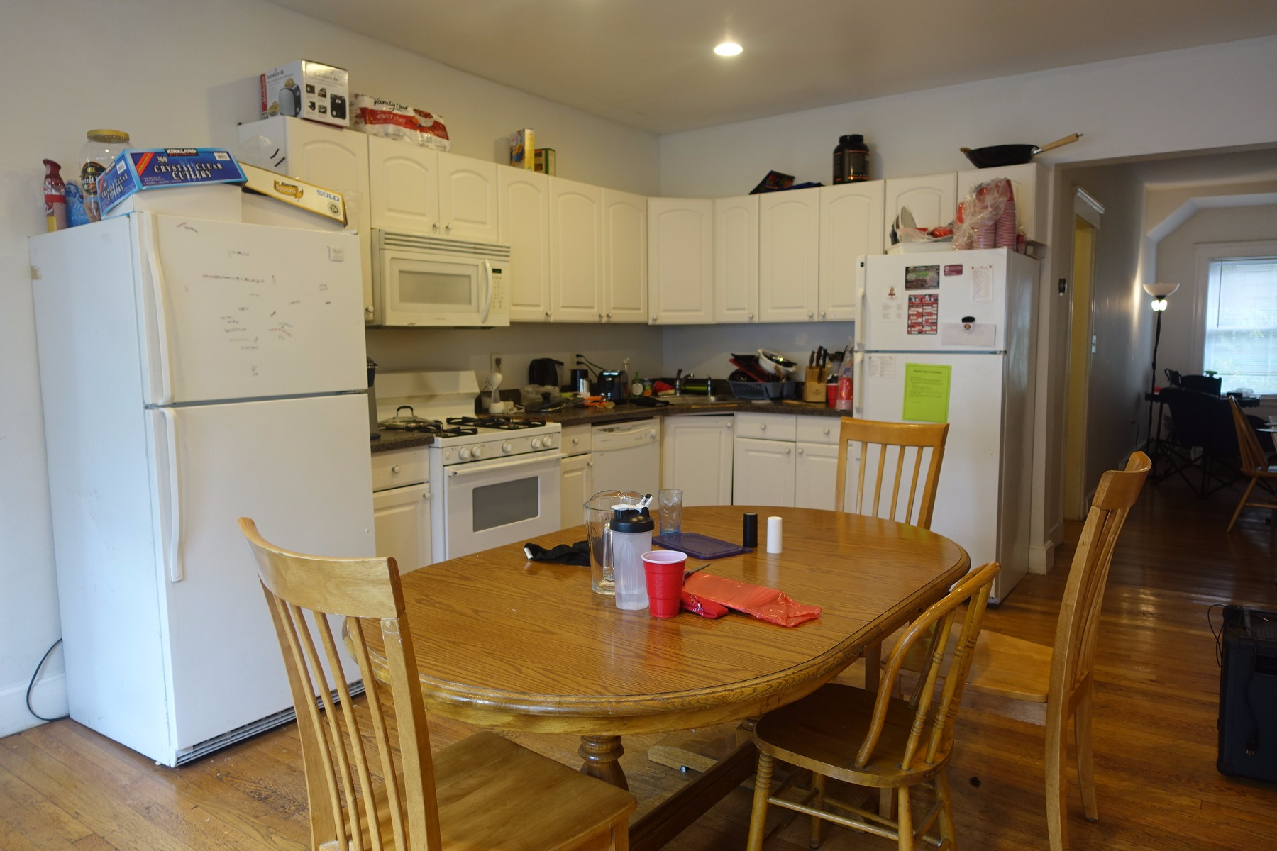 6bed 2.5bath w/ 2 car parking and small dog permitted! On top of BC!
