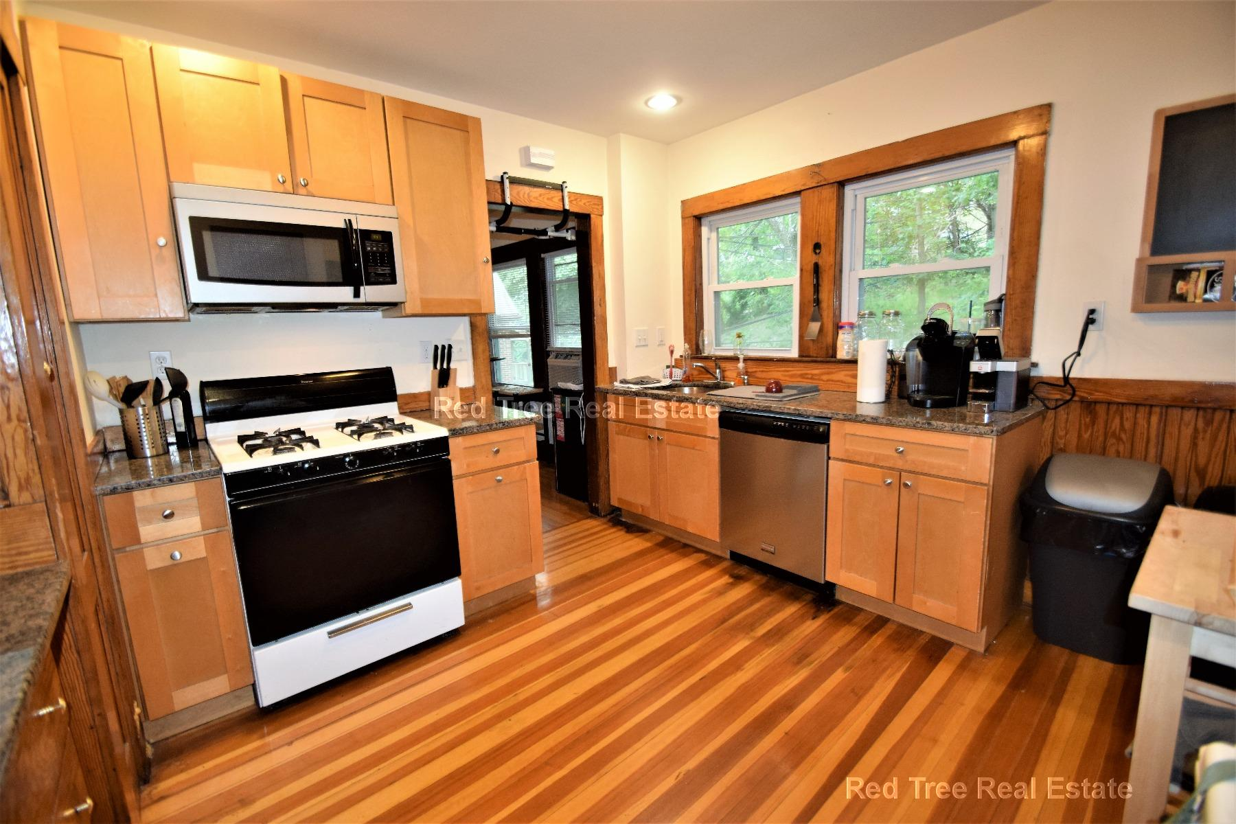 3 Bd on Colborne Rd., Parking Included