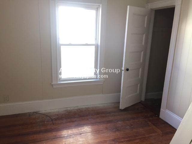 Additional photo for property listing at 45 Angell St. 45 Angell St. Boston, Massachusetts 02124 États-Unis