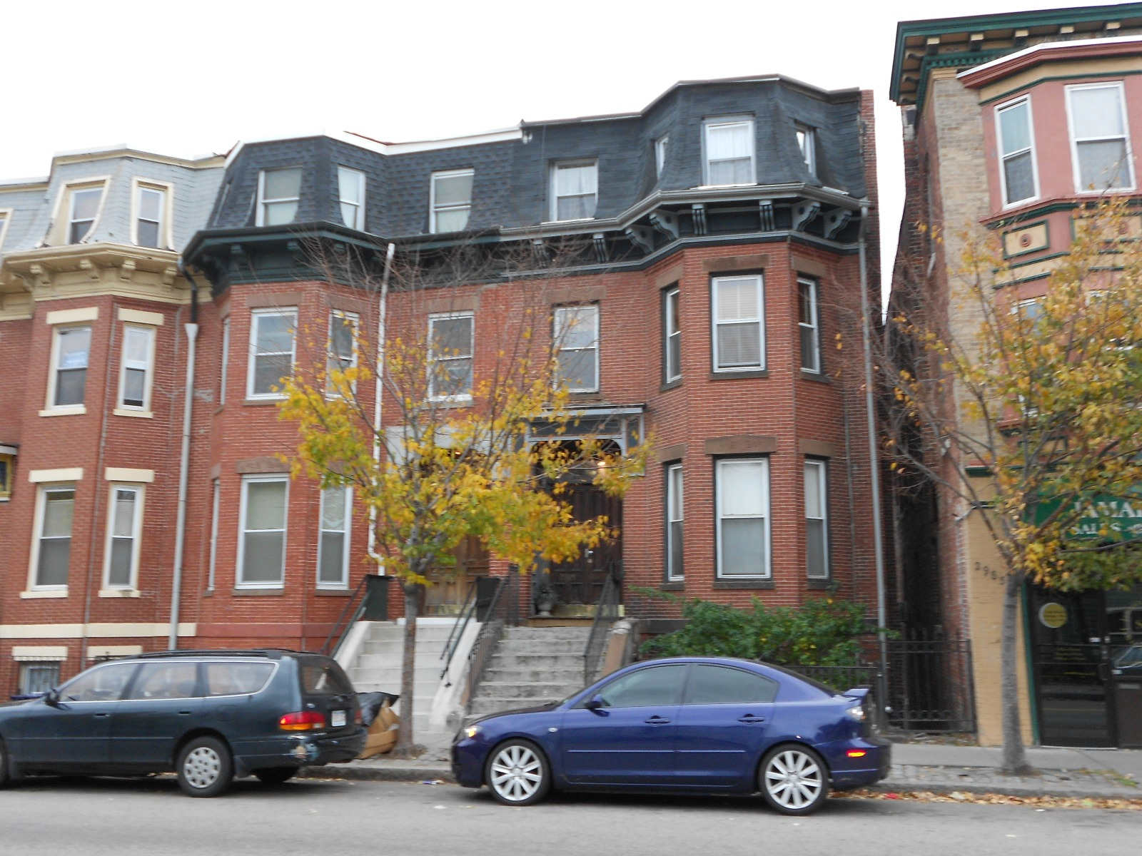 For you, a Cozy 2bd apartment avail now, near Egleston Sq.
