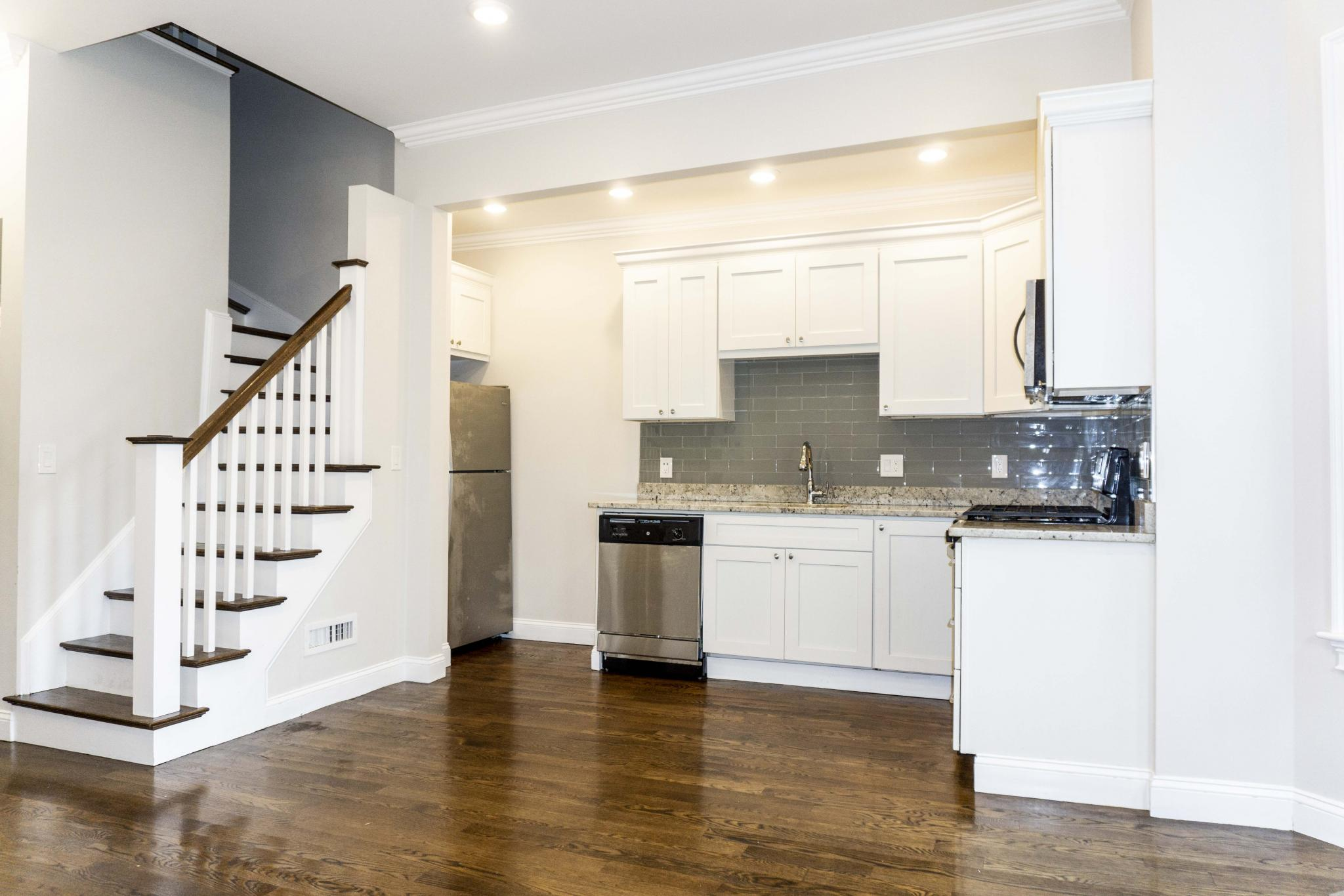 4 Bd on Perrin St., Parking Included