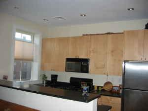 2 Bd on Massachusetts Ave., Hardwood Floors, Deck, Laundry in Unit