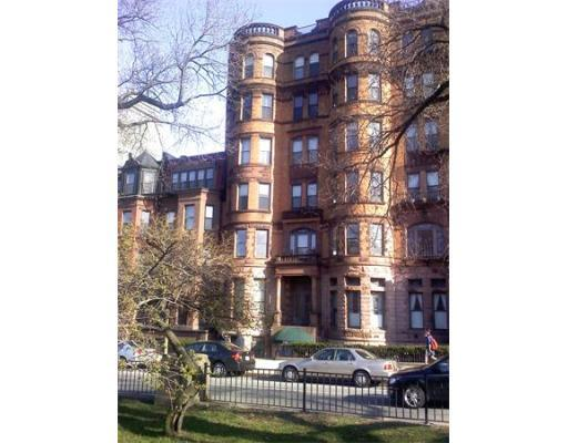 AUDACIOUS 1 BED~HEAT, HOT WATER INCLUDED~ROOF DECK!