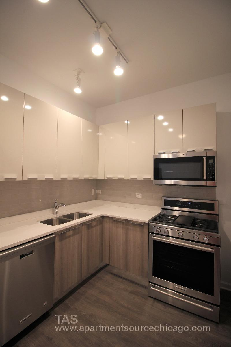 2 MONTHS FREE RENT Loft-style condo-quality 3 Bed/2 ba IN UNIT LAUNDRY