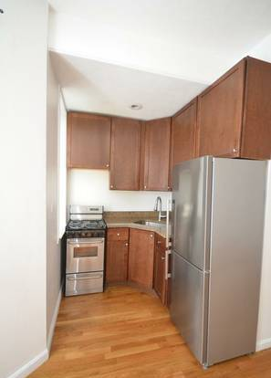 1 Bd on , Stove, New/Renovated Kitchen, New/Renovated Bath, Stainless