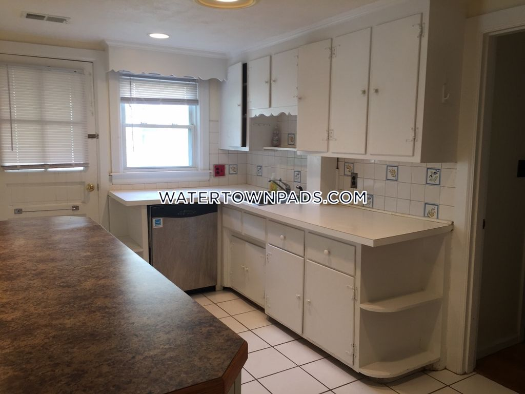 Modern 2bed Duplex Style on George St Watertown - Available July 1