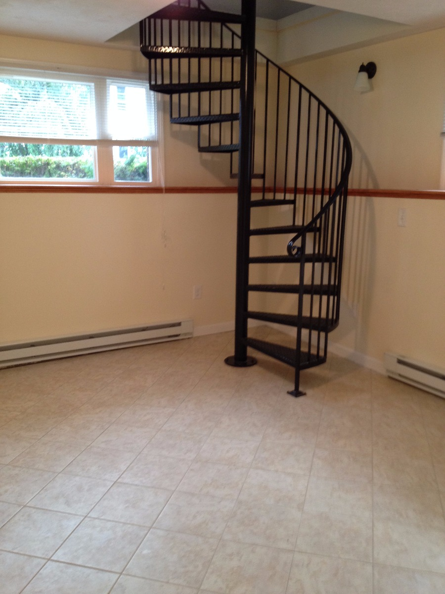 2 level 2 bedroom in Watertown!