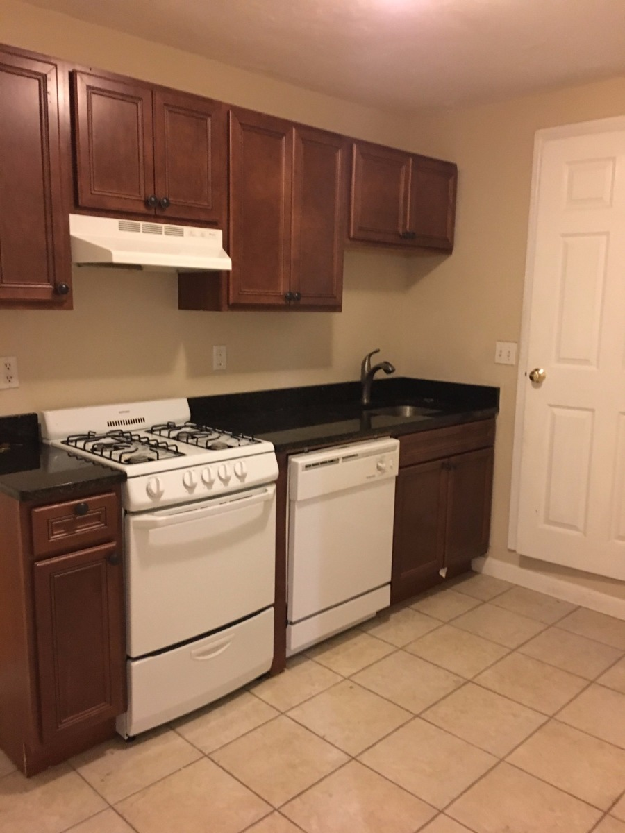 1 Bd on Fleet St., Laundry in Building, New/Renovated Bath