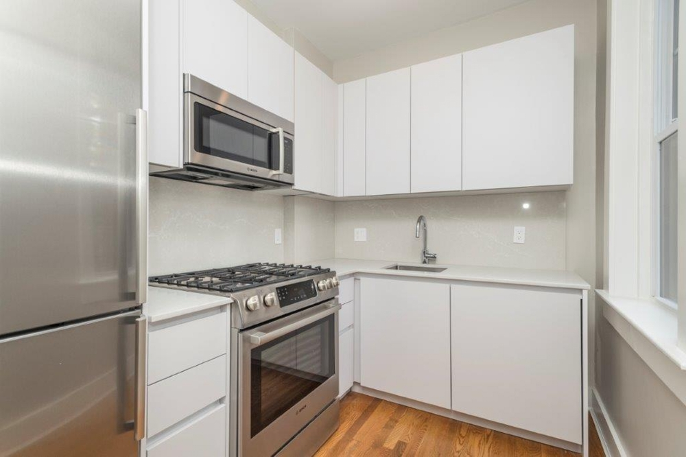 PORTER SQUARE! + UTILITIES:  1  BED!