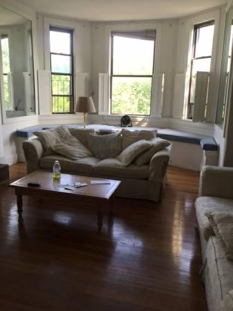 LUXURY Comm Ave 1bed. 4th Floor, H&HW Incl, AVAIL NOW