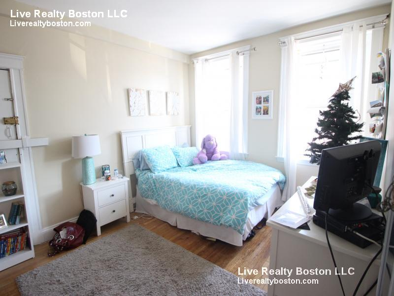 10 - COMM AVE 4 BED ~ ALLSTON ~ SEPTEMBER 1st MOVE