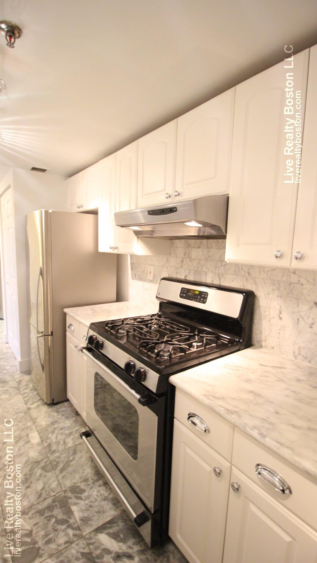 Renovated 1 Bed, 1 Bath with Balcony, Heat/Hot Water included!!