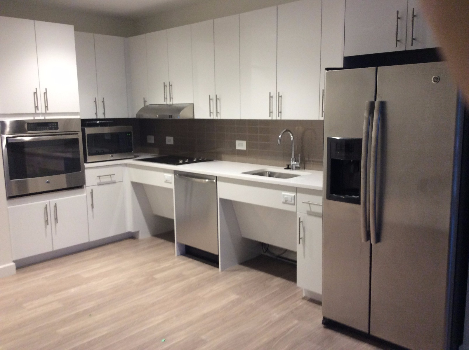 1 Bd on Western Ave., Security System, Parking For Rent, Internet, Yar