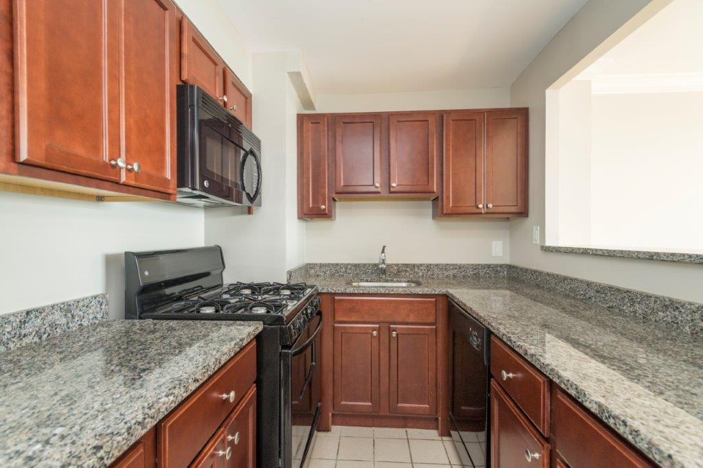 2 Bd on Columbia Rd., NO FEE, Parking For Rent