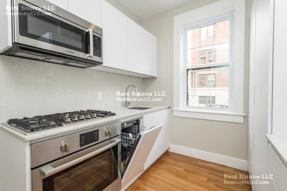 Gorgeous Porter/Harvard 1BR - Ultra Modern Unit Close to Red Line!