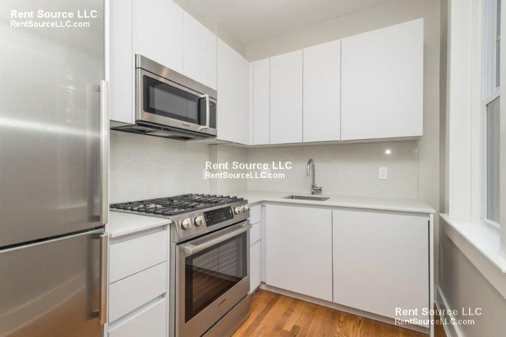 BRAND NEW Porter Sq 2BR - Laundry in UNIT - Central AC - NICE!