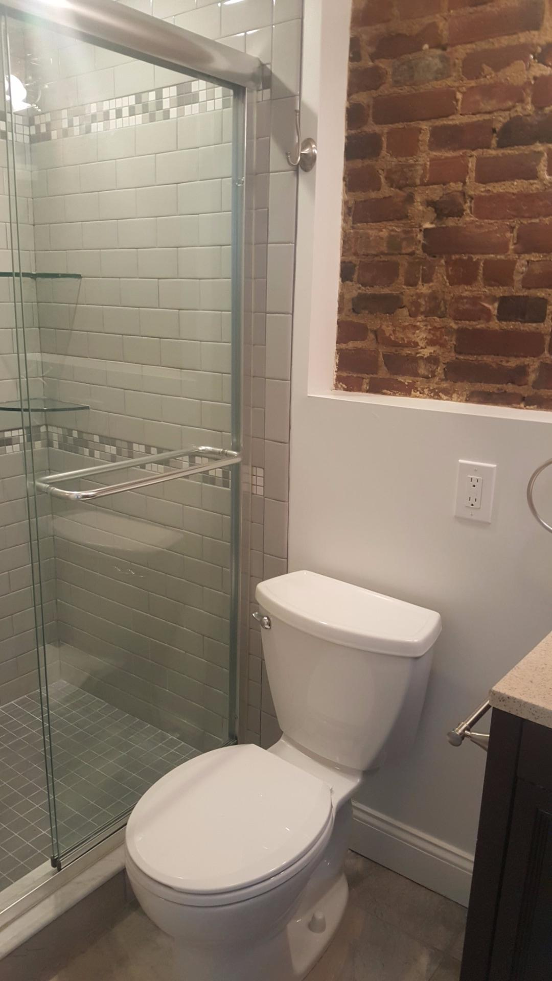 GUT-RENOVATED! GRANITE/STAINLESS! LAUNDRY IN UNIT! PORCH!
