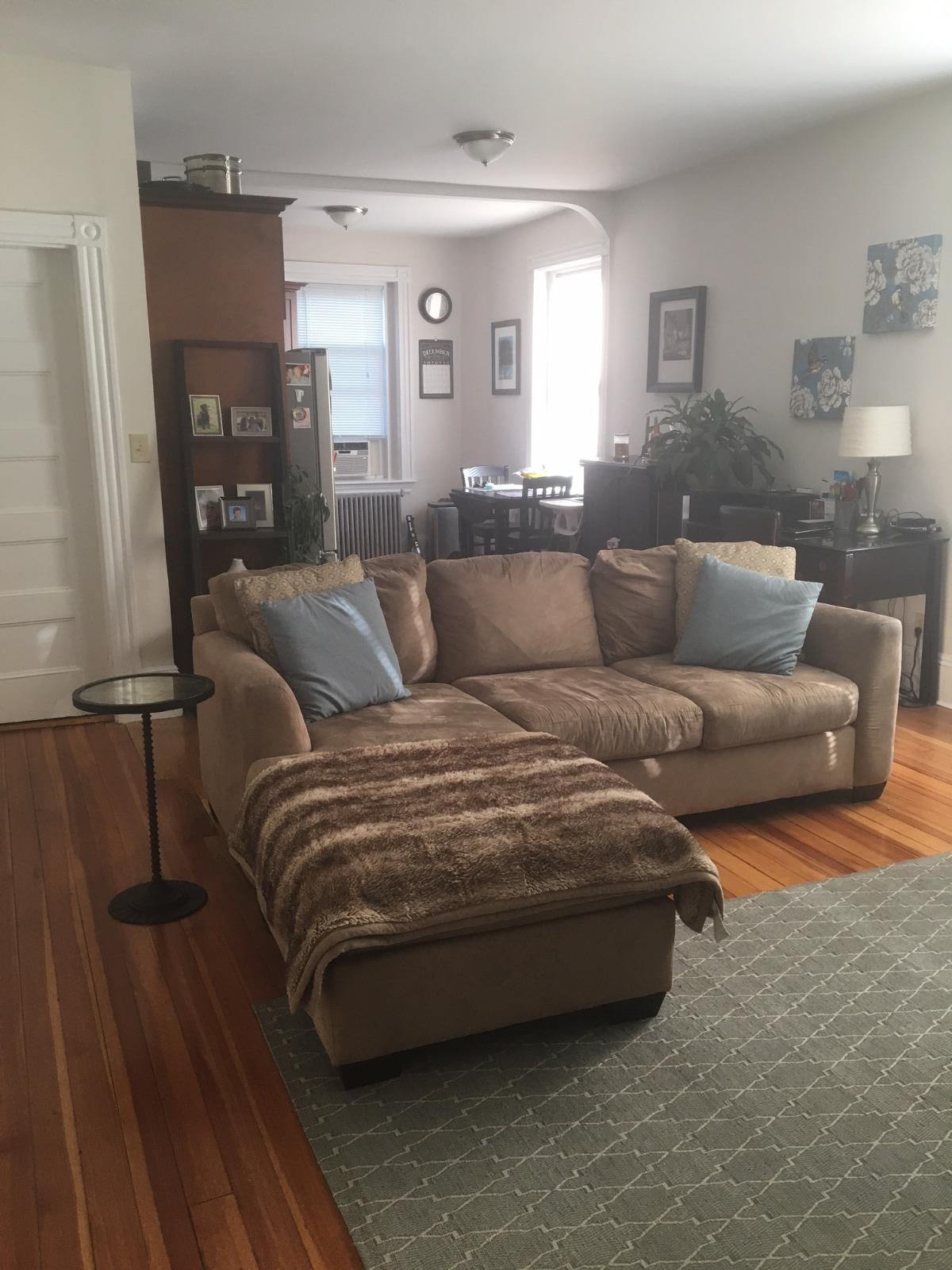 Sunny Two Bedroom with Modern Kitchen/Bath and Porch