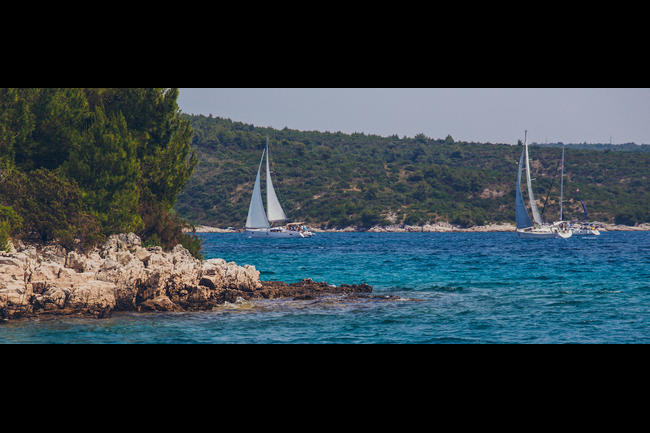 Croatia coast sailing.jpeg.moviebox