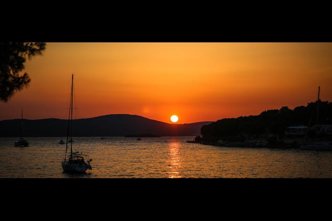 Croatia sunset.jpeg.moviebox
