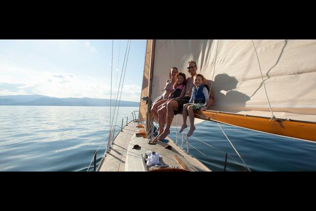 Sailing family 3840x1600 1440x600.jpg