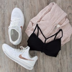 Seamless Y-Strap Front Padded Bralette