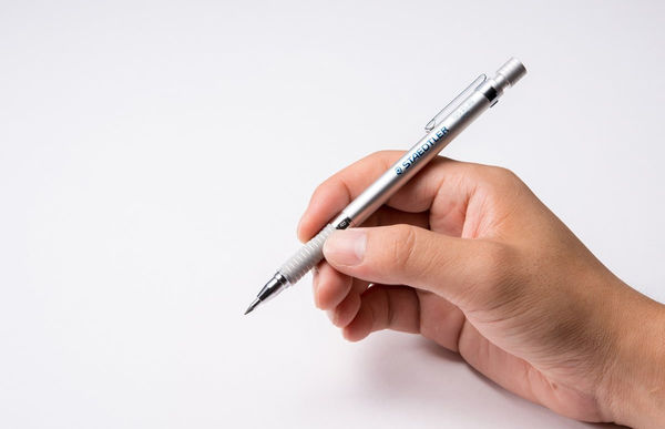 Yotti — 2.0mm Mechanical Pencil Silver Series. Best gift for designer http://www.yotti.co/gifts/2-0mm-mechanical-pencil-silver-series