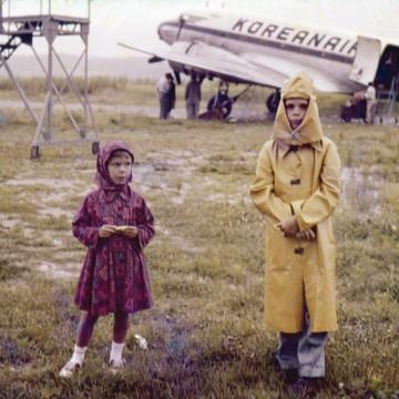 1960-kangnung-south-korea-airport-billsmothers