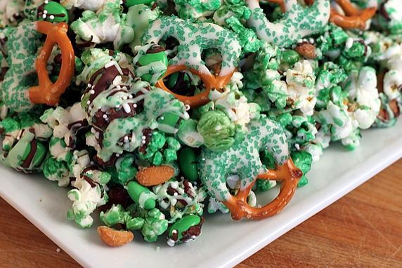 Green Popcorn & Pretzel Party Mix