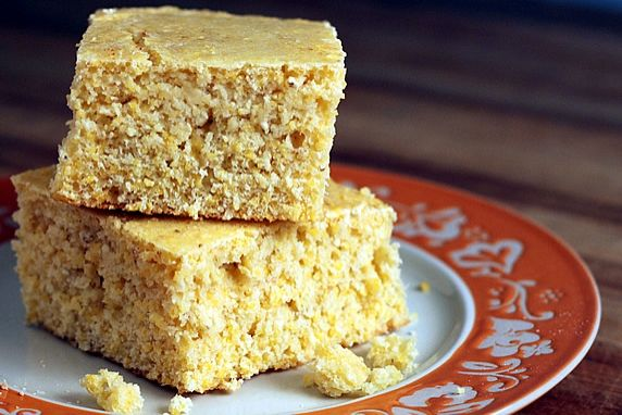 A good, low fat recipe with the wholesome goodness of stone ground cornmeal and a hint of honey sweetness. Great with chili & soup or crumbled for Thanksgiving cornbread dressing.