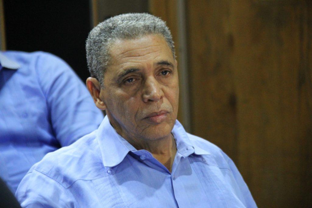 Alcalde de Cristóbal advierte proyectos agrícolas podrían morir por falta de agua.