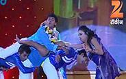 Siddharth Jadhav and Amruta Kahnvilkar's Rocking Dance Performance