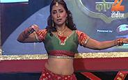 Splendid dance performance of Amruta Khanvilkar, Kranti Redkar and Sonalee Kulkarni