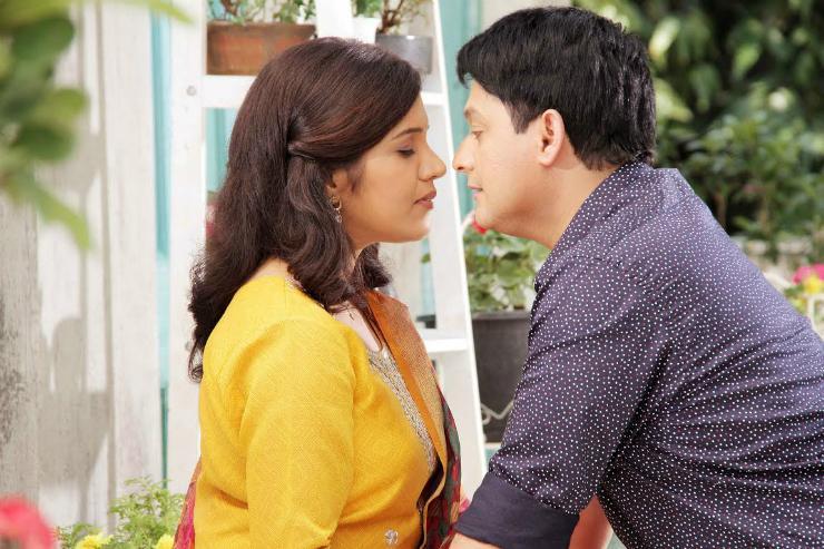 Mumbai Pune Mumbai-2 Lagnala Yaychach Movie Review