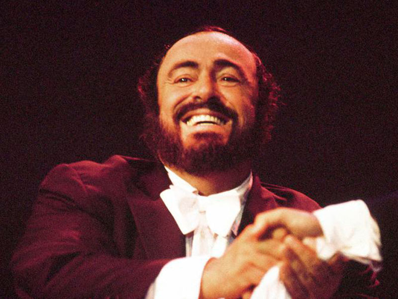 Friday Night on 'A Little Night Music' – Vintage Vocalists: LucianoPavarotti featured image