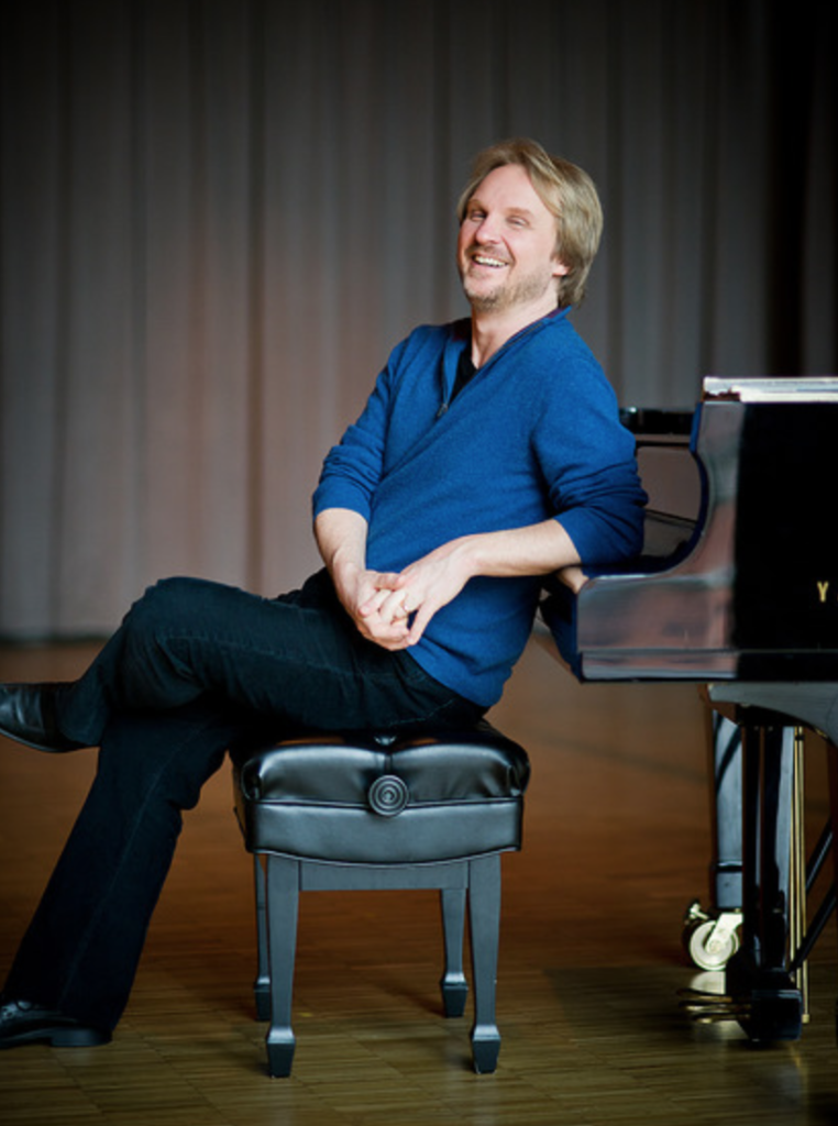 How I met and became a fan of pianist Peter Longworth featured image