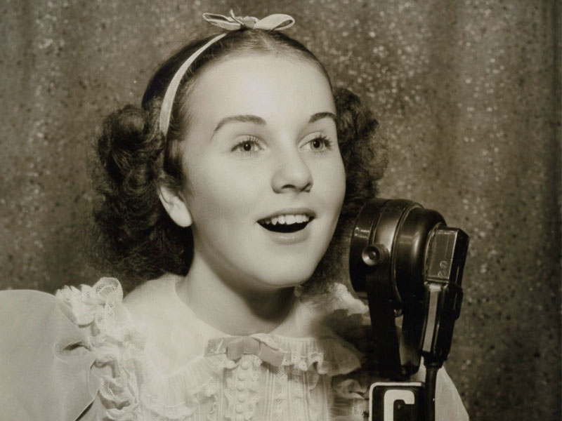Friday Night on 'A Little Night Music' – Vintage Vocalists: Deanna Durbin featured image