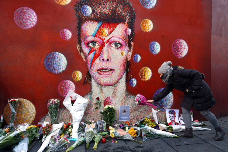 """""""Ashes to Ashes, Dust to Stardust"""" — Tributes Pour in for David Bowie"""