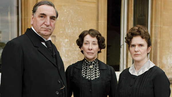 Downton Abbey S1: Mr. Carson (JIM CARTER), Mrs. Hughes (PHYLLIS LOGAN), Sarah O'Brien (SIOBHANN FINNERAN)